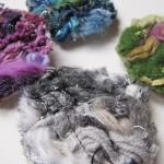 Broche art textile