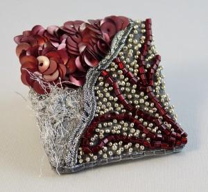 La broche en perles